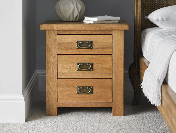 Heritage Oak 3 Drawer Bedside